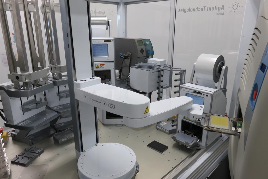 フルオートメーション超微量非接触分注システム A-pod, Echo555(Agilent Technologies, LABCYTE)